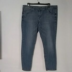Mossimo Denim Ladies sz 14/32 low tide skinny